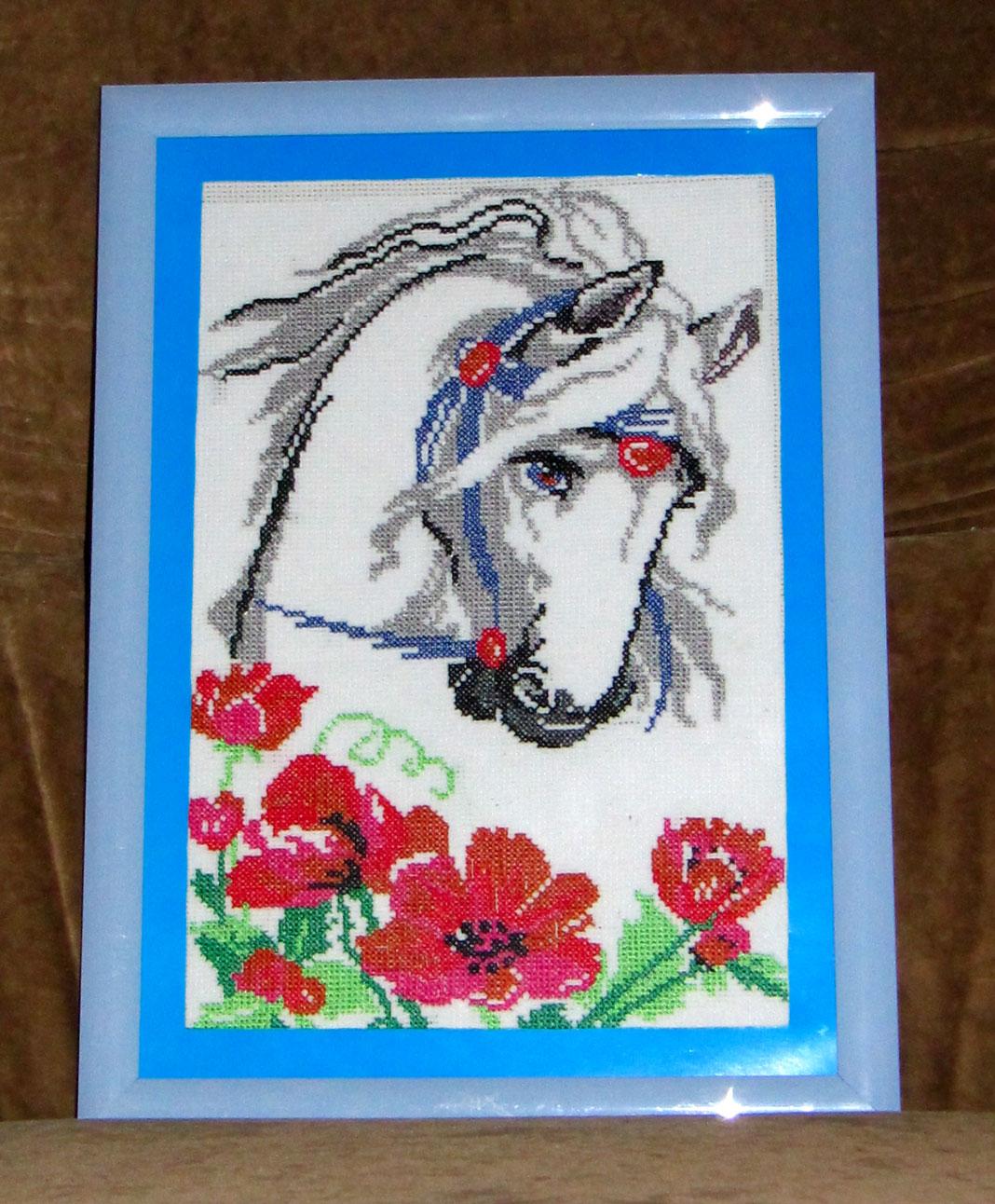 Вышивка крестом лошади маки 83